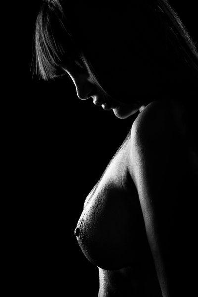 gocce sulla pelle nude art di angelo florio fotografo pubblicitario napoli roma