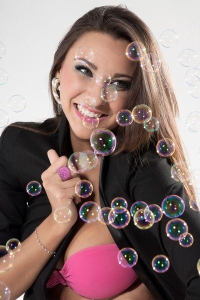 martina con bolle di angelo florio fotografo pubblicitaro fashion glamour napoli roma