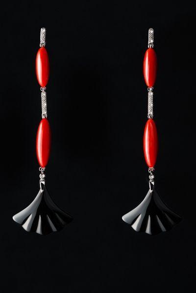 orecchini corallo fondo nero still life tecnico jewellery