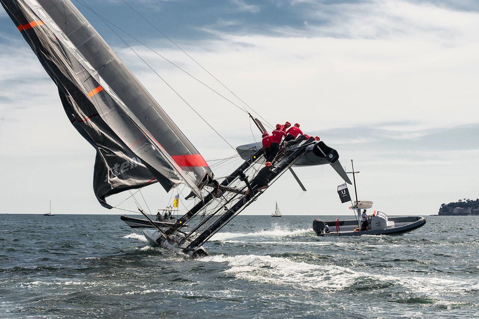 america s cup artemis capsizing vela di angelo florio fotografo pubblicitario sailing race napoli roma